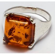 Кольцо с янтарем «Циния» коньяк