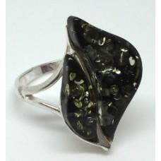 "Кольцо с янтарем ""Листья"" зелень"