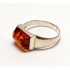 Кольцо с янтарем «Сакура» коньяк